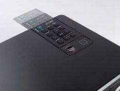 Die Fernbedienung des Beamers Acer X 1160
