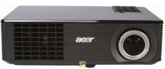 Der Beamer Acer X 1160 von vorne