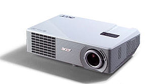 Design und Können: Acer Beamer H 5350