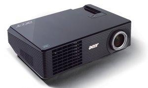 Günstiger mit Potential: Acer Beamer X 1260