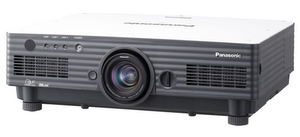 Dauerläufer: Panasonic PT D 4000 E Beamer
