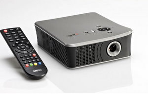 Emtec Movie Cube Theater T800 Mini-Beamer und externe Multimedia Festplatte