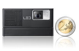 Kleiner Alleskönner: Samsung SP-H03 Mini Beamer