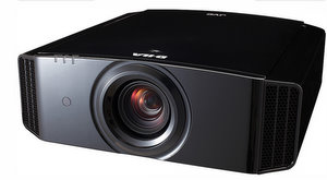 High End dreidimensional: JVC DLA X3 Full HD 3D Heimkino Beamer