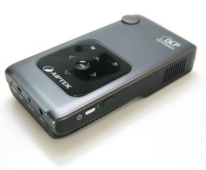 Großer Mini: Aiptek Pocket Cinema V50 Mini Beamer