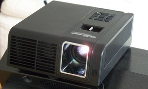 Getestet: Der Scenelights DL-345 Mini Beamer