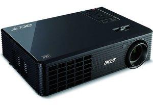 Gut für den Einstieg: Acer X1161P Beamer
