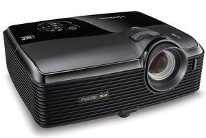 Sehr gute Ausstattung: Viewsonic Pro8200 Full HD Heimkino Beamer