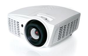 Optoma mit zwei neuen Projektoren für Business, Medizin und Ausbildung